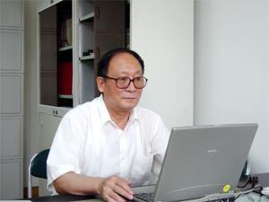 闵家驹  副总工程师,教授级高级工程师