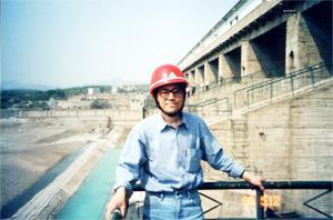 陆宗磐  副总工程师,教授级高级工程师