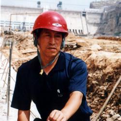 郭潇  副总工程  教授级高级工程师