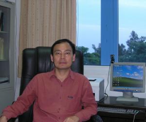 陈新华  博士,研究员,海洋生物遗传资源重点实验室副主任