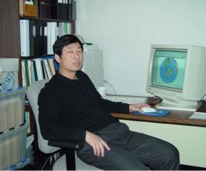 郝拉柱  教授,硕士生导师  职业技术学院副院长
