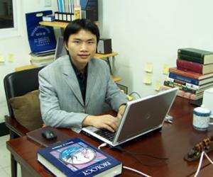 刘利平  副教授,理学博士,硕士生导师