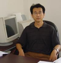 丁永生  副院长:(教授、博士生导师、海洋环境实验中心主任)