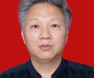 王祖东  副总工程师、教授级高级工程师