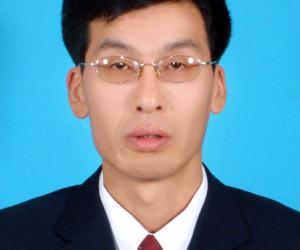 卢江宁  党组成员、副厅长